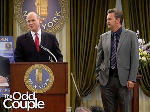 The Odd Couple: Eisen Trouble | Season 3 | Episode 6
