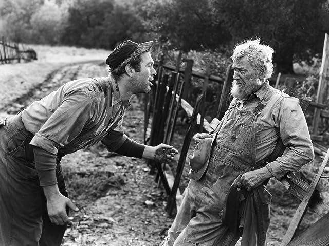 Ward Bond and Charley Grapewin in Tobacco Road (1941)