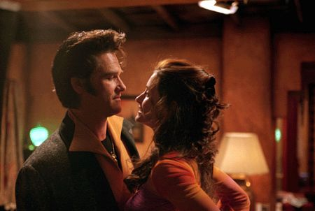 Kurt Russell and Courteney Cox in 3000 Miles to Graceland (2001)