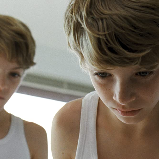 Elias Schwarz and Lukas Schwarz in Goodnight Mommy (2014)