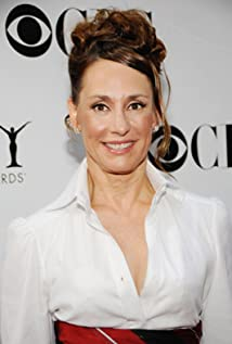laurie metcalf young