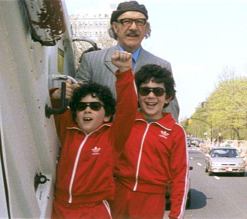 Gene Hackman, Jonah Meyerson, and Grant Rosenmeyer in The Royal Tenenbaums (2001)