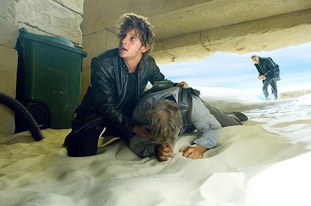 Jamie Bell and Hayden Christensen in Jumper (2008)