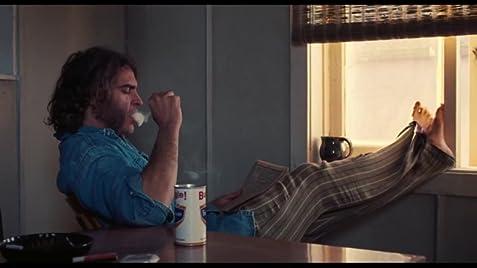 Inherent Vice Movie Review Joaquin Phoenix2