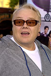 Louie Anderson returns to Paramount