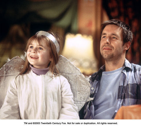 Paddy Considine and Emma Bolger in In America (2002)