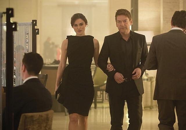Kenneth Branagh and Keira Knightley in Jack Ryan: Shadow Recruit (2014)