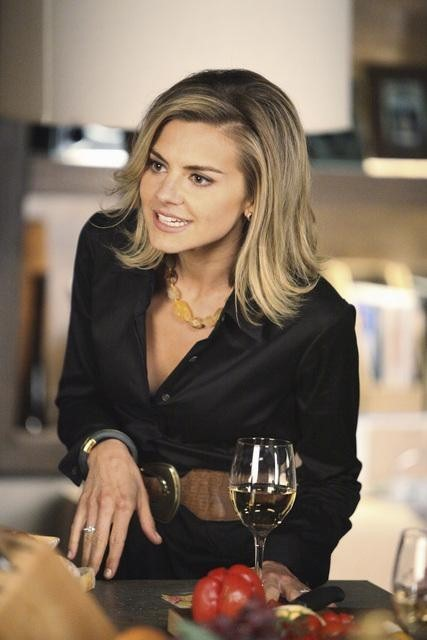 Eliza Coupe in Happy Endings (2011)