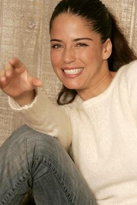 Ana Claudia Talancón at Matando Cabos (2004)