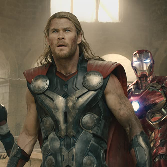 Robert Downey Jr., Chris Evans, Scarlett Johansson, Jeremy Renner, Mark Ruffalo, and Chris Hemsworth in Avengers: Age of Ultron (2015)