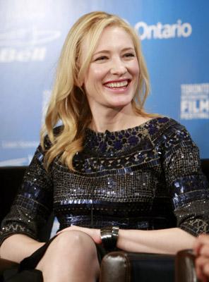 Cate Blanchett at Elizabeth: The Golden Age (2007)