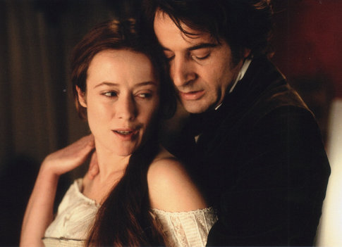Jennifer Ehle and Jeremy Northam in Possession (2002)