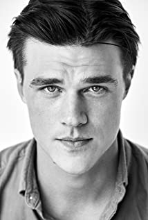 Finn Wittrock New Picture - Celebrity Forum, News, Rumors, Gossip
