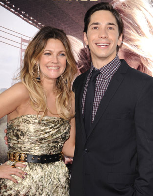 Drew Barrymore and Justin Long at Going the Distance (2010)