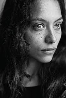 Aktori Liliana de Vries