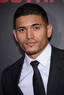 Aktori Miguel Gomez