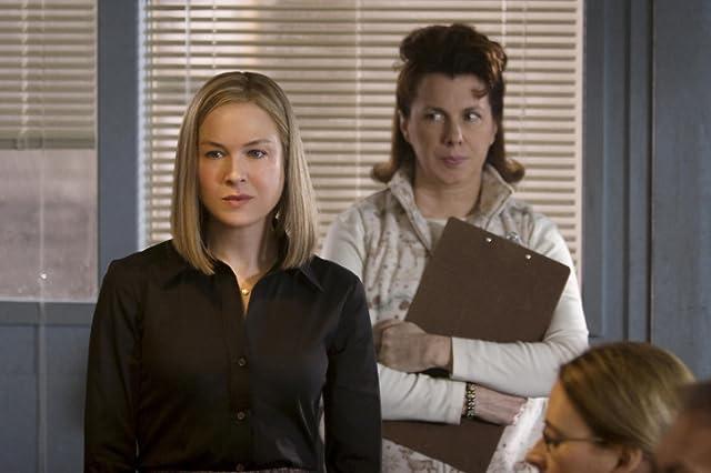 Renée Zellweger and Siobhan Fallon Hogan in New in Town (2009)