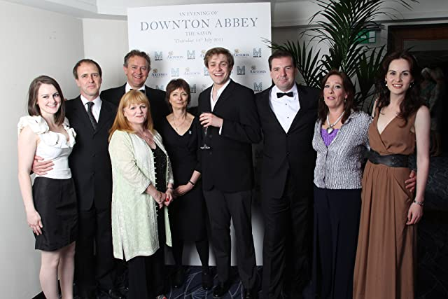 Hugh Bonneville, Brendan Coyle, Kevin Doyle, Phyllis Logan, Lesley Nicol, Michelle Dockery, Thomas Howes, and Sophie McShera at Downton Abbey (2010)