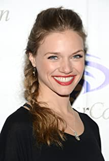 Tracy Spiridakos New Picture - Celebrity Forum, News, Rumors, Gossip
