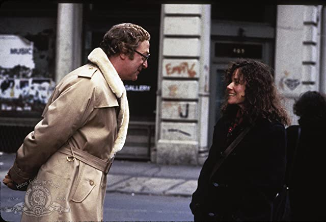 Michael Caine and Barbara Hershey in Hannah and Her Sisters (1986)