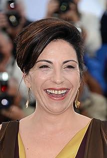 Aktori Loredana Simioli