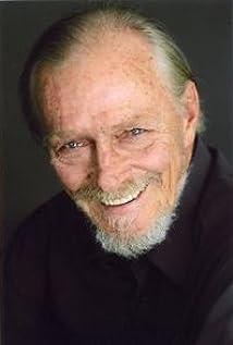Aktori Hans Howes