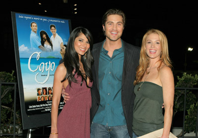 Poppy Montgomery, Roselyn Sanchez, and Eric Winter at Cayo (2005)
