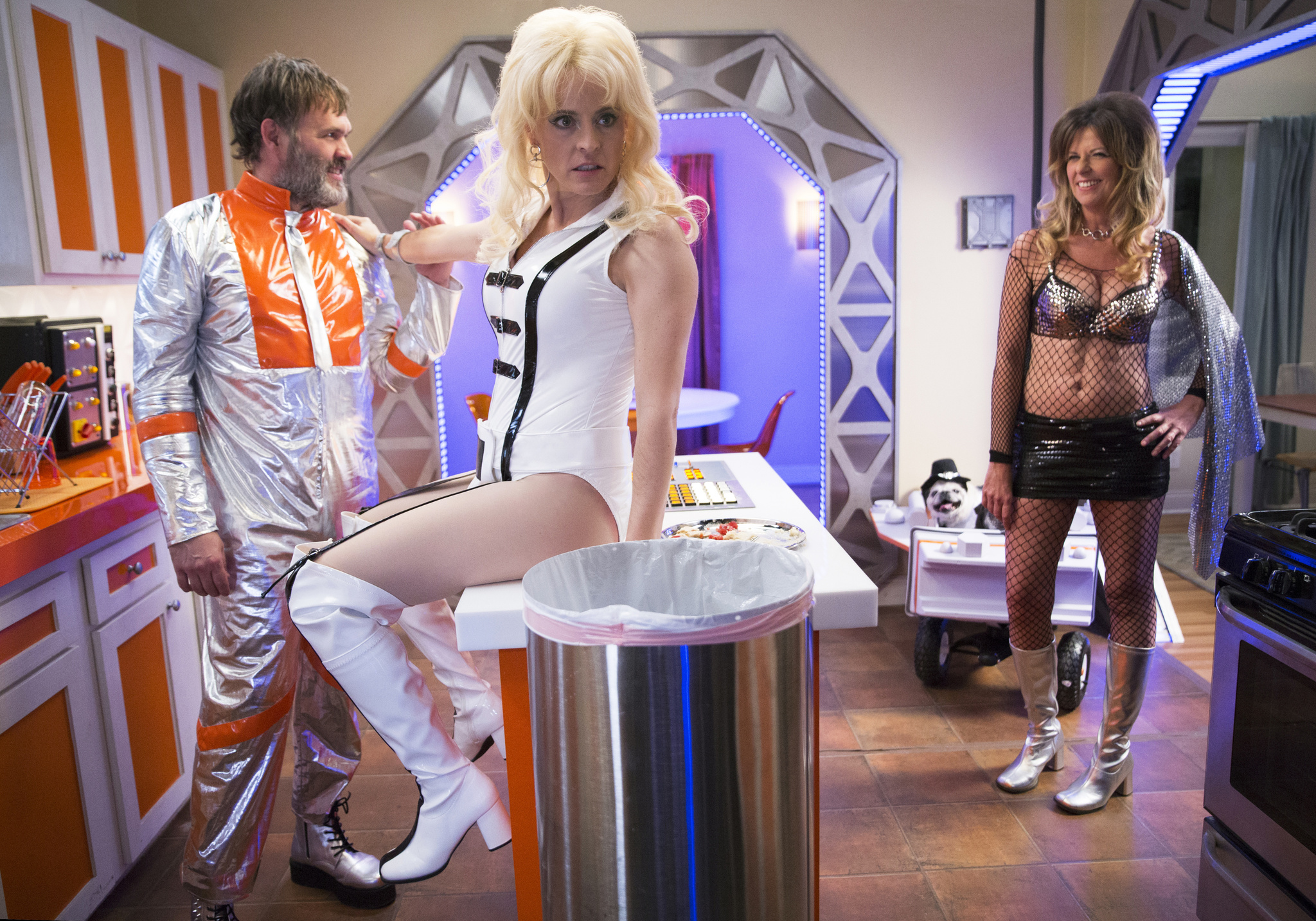 Lady Dynamite: Fridge Over Troubled Daughter   Season 2   Episode 4