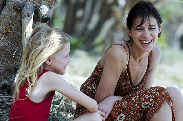 Charlotte Gainsbourg and Morgana Davies in The Tree (2010)