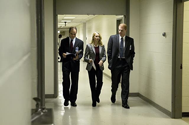 Noah Emmerich, Michael Kelly, and Naomi Watts in Fair Game (2010)