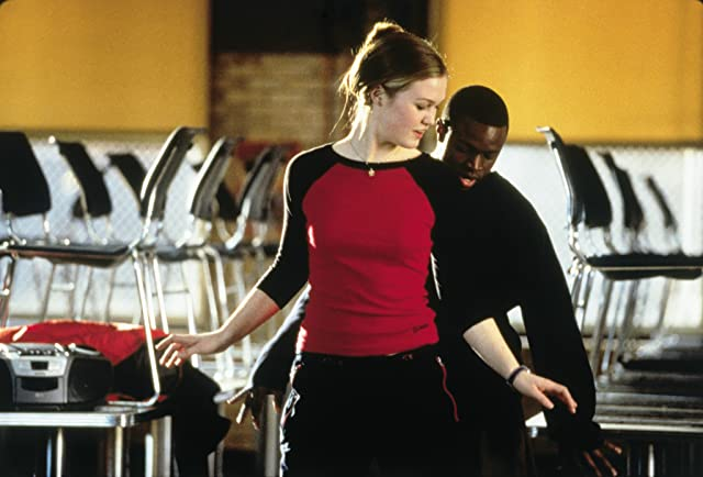 Julia Stiles and Sean Patrick Thomas in Save the Last Dance (2001)