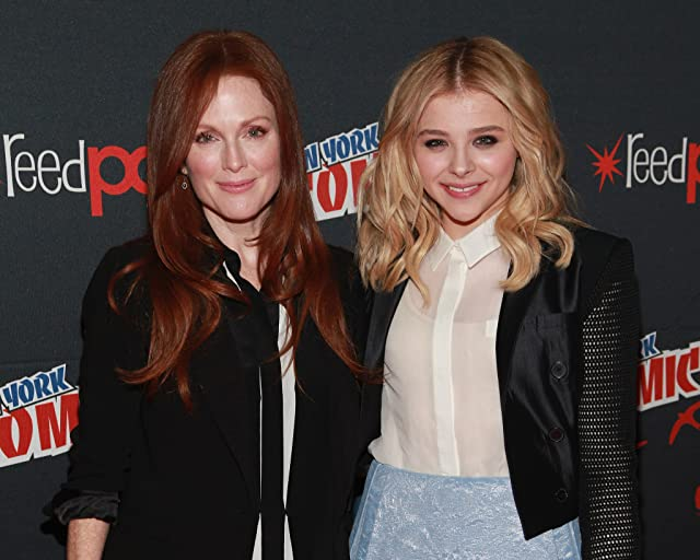 Julianne Moore and Chloë Grace Moretz at Carrie (2013)