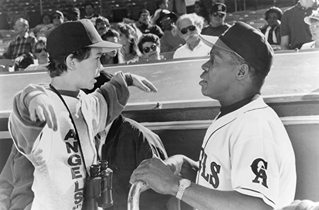 Danny Glover and Joseph Gordon-Levitt in Angels in the Outfield (1994)