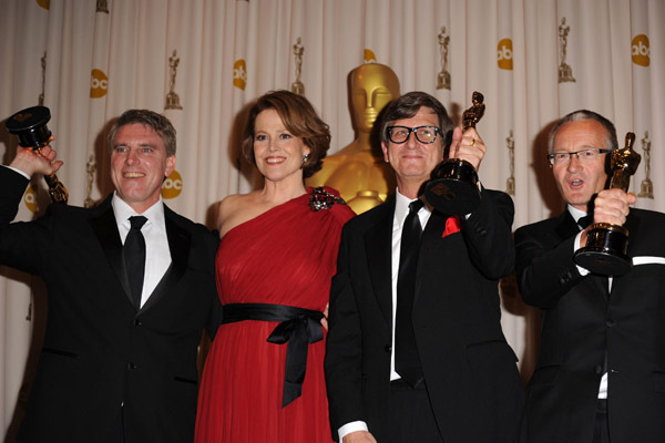 Sigourney Weaver, Rick Carter, Kim Sinclair and Robert Stromberg at event of The 82nd Annual Academy Awards