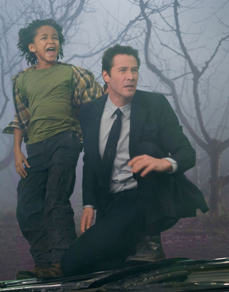 Keanu Reeves and Jaden Smith in The Day the Earth Stood Still (2008)
