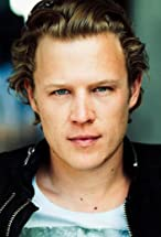 Christopher Egan's primary photo