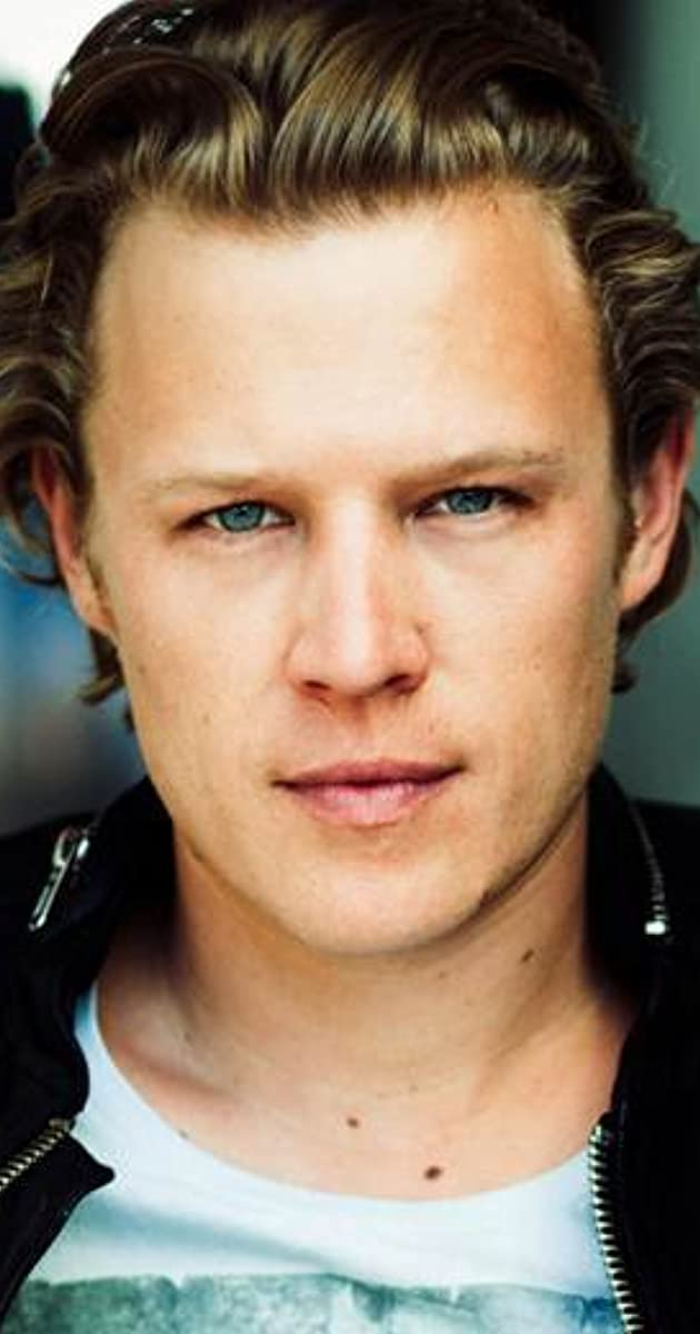christopher egan instagram