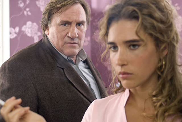 Gérard Depardieu and Vahina Giocante in Inspector Bellamy (2009)