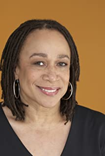 S. Epatha Merkerson Picture