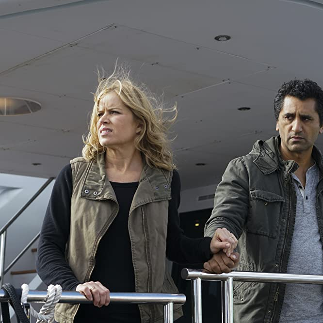 Cliff Curtis and Kim Dickens in Fear the Walking Dead (2015)