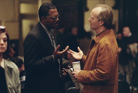 Samuel L. Jackson as Doyle Gipson and William Hurt as his sponsor