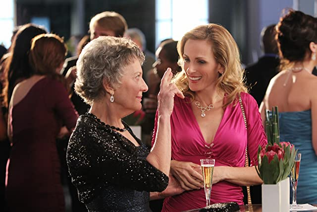 Phyllis Frelich and Marlee Matlin in CSI: Crime Scene Investigation (2000)