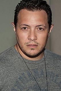 Hector Luis Bustamante Picture