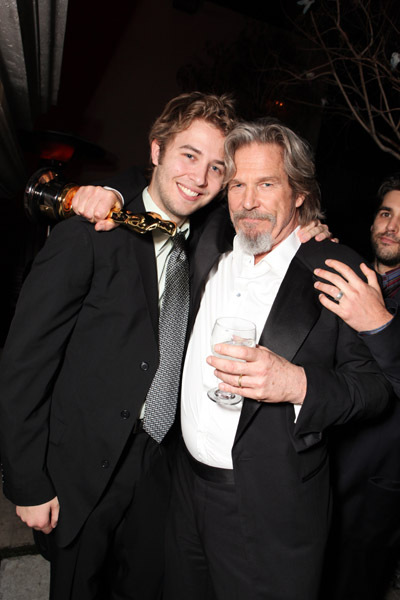 Jeff Bridges and Dylan Bridges at event of The 82nd Annual Academy Awards