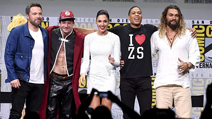 Ben Affleck, Jason Momoa, Gal Gadot, Ezra Miller, and Ray Fisher at an event for Justice League (2017)