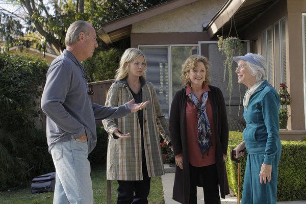 Bonnie Bedelia, Craig T. Nelson, Monica Potter, and Frances Sternhagen in Parenthood (2010)