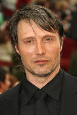 Mads Mikkelsen at The 79th Annual Academy Awards (2007)