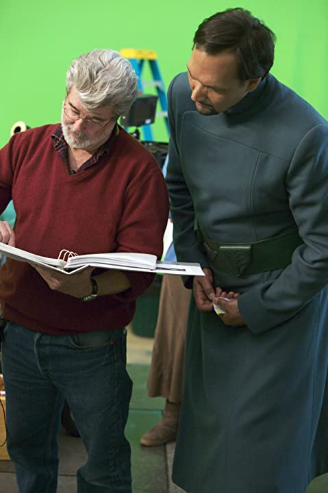 George Lucas and Jimmy Smits in Star Wars: Episode III - Revenge of the Sith (2005)