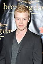 Noel Fisher's primary photo
