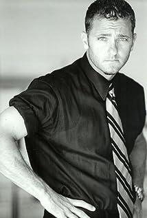 Aktori Karl Makinen